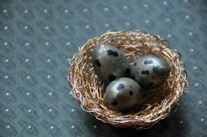 Hand-woven wire bird nest