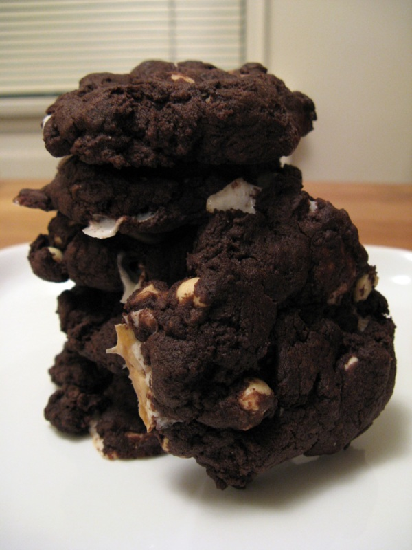 Vegan Chcolate Pudding Cookies with white chocolate and marshmallows